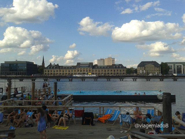 Arena badeschiff - Piscina a céu aberto em Berlim
