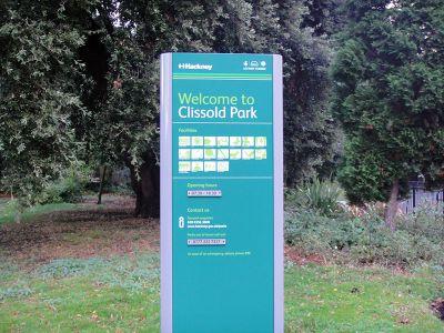 clissold park placa
