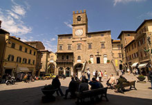 cortona piazza