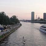 Frankfurt -  Catedral de São Bartolomeu e passeio de barco