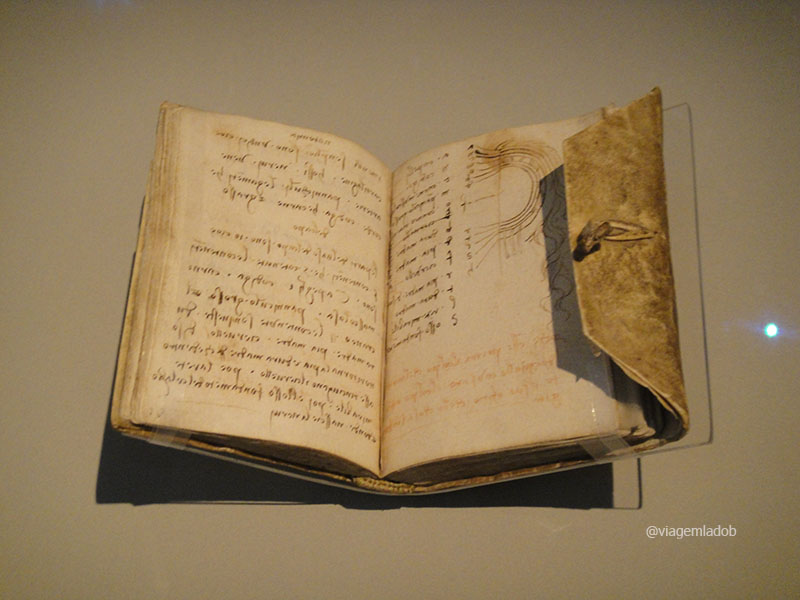 v&a-da-vinci-notebook