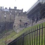 Edimburgo e seu castelo, construído sobre a Castle Rock