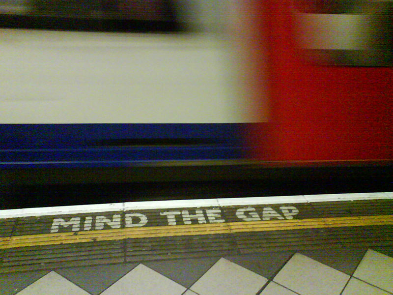 Metrô de Londres - Mind the Gap