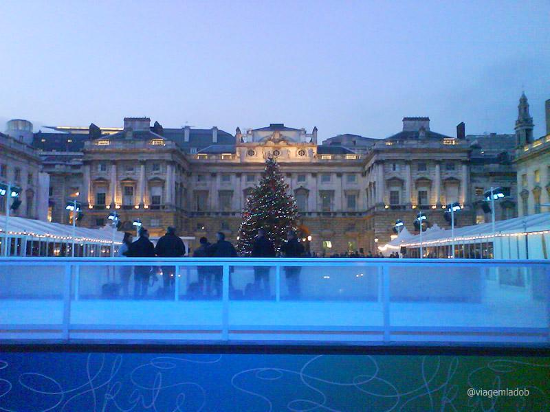 Pista de Patinação no Gelo em Londres - Somerset House